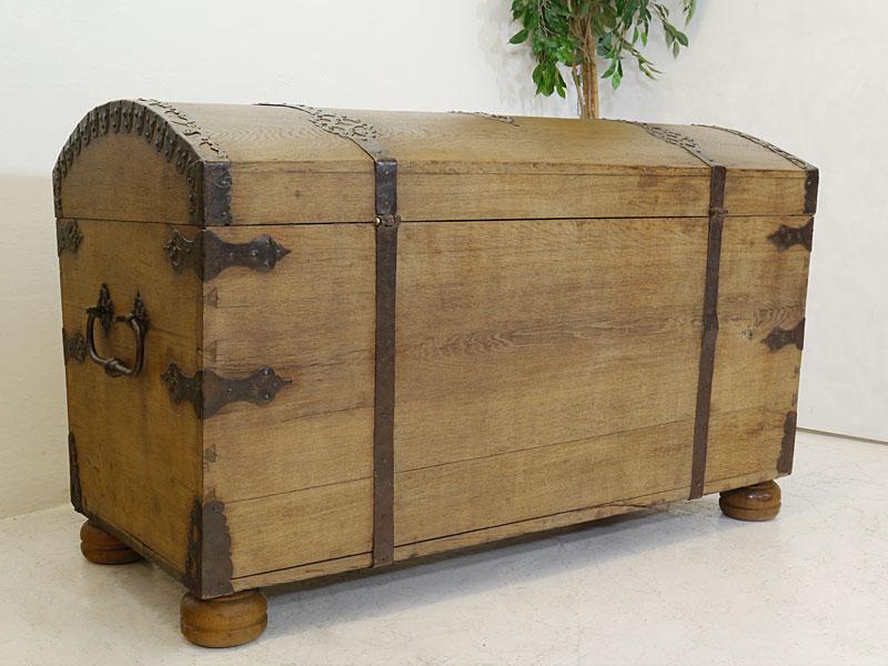 Truhe Runddeckeltruhe Holztruhe aus massiver Eiche 19. Jahrhundert Antik (6564) – Bild 4