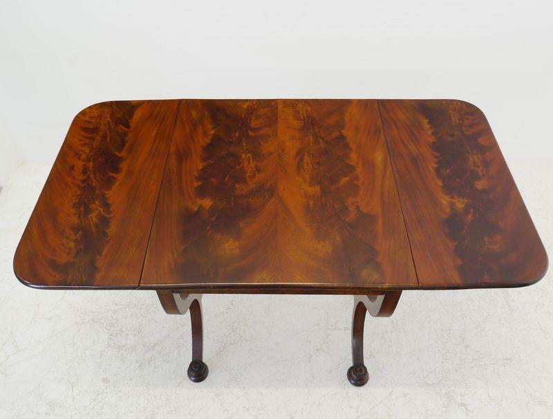 Klapptisch Tisch Gateleg Biedermeier um 1860 aus Mahagoni mit Schublade (8369) – Bild 5