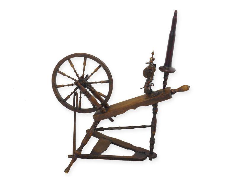 Antikes Spinnrad nur zu Dekorationszwecken (8419) – Bild 1