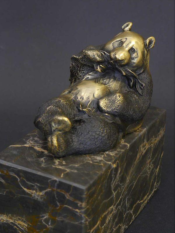Bronzeskulptur Tierfigur Pandafigur aus Bronze auf Marmorsockel H: 14 cm (8603) – Bild 2