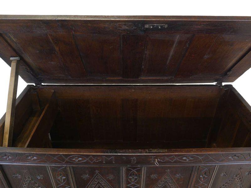 Truhe Holztruhe Flachdeckeltruhe 18. Jahrhundert Eiche massiv 71x140x62cm (8708) – Bild 4