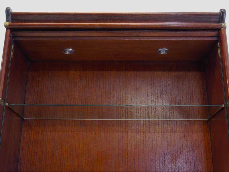 Vitrine Schaukasten Studio Globe Wernicke Mahagoni LED Strahler B: 86 cm (8811) – Bild 4