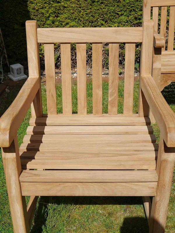 Gartenstuhl Armlehnstuhl Holzstuhl aus massiv Teakholz unbehandelt (8968) – Bild 4