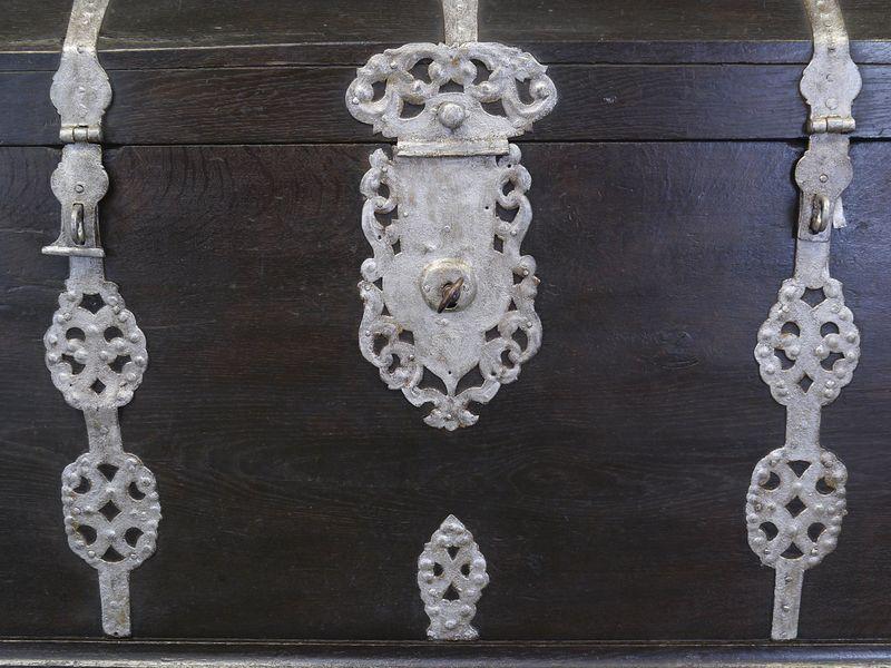 Truhe Runddeckeltruhe Holztruhe aus massiver Eiche 18. Jahrhundert Antik (9004) – Bild 5