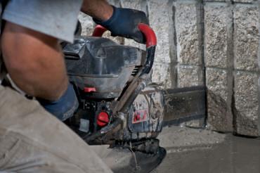 Benzinsägekopf ICS 695 XL F4 Benzin-Kettensäge ohne Kette + Schwert Diamantsäge – Bild 4