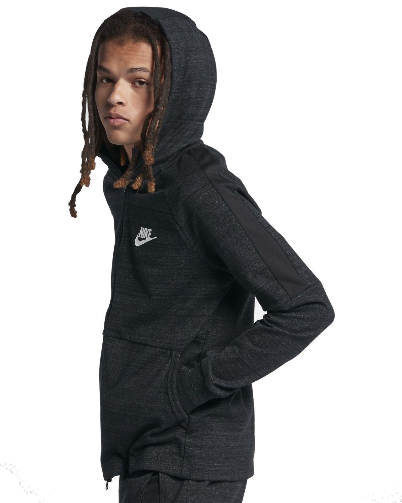 Die Nike Sportswear Advance 15 Herren-Hoodie mit durchgehendem  Reißverschluss sorgt mit warmem Material und einer Kapuze mit Einsatz für  bequemen Schutz. 91e852e818