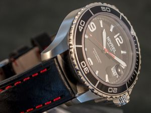 NIVREL Red Voyager, Dive watch, Automatic, Ref. N 148.001 – Bild 5