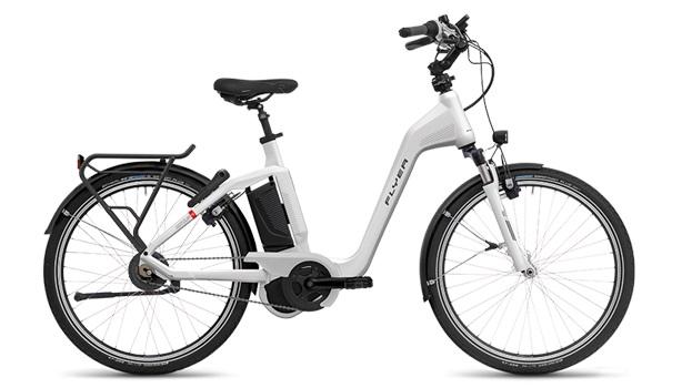 """E-Bike Flyer Gotour4 7.01R Rücktritt 26"""" 8G 15 Ah Rh 50 cm weiß Mittelmotor"""