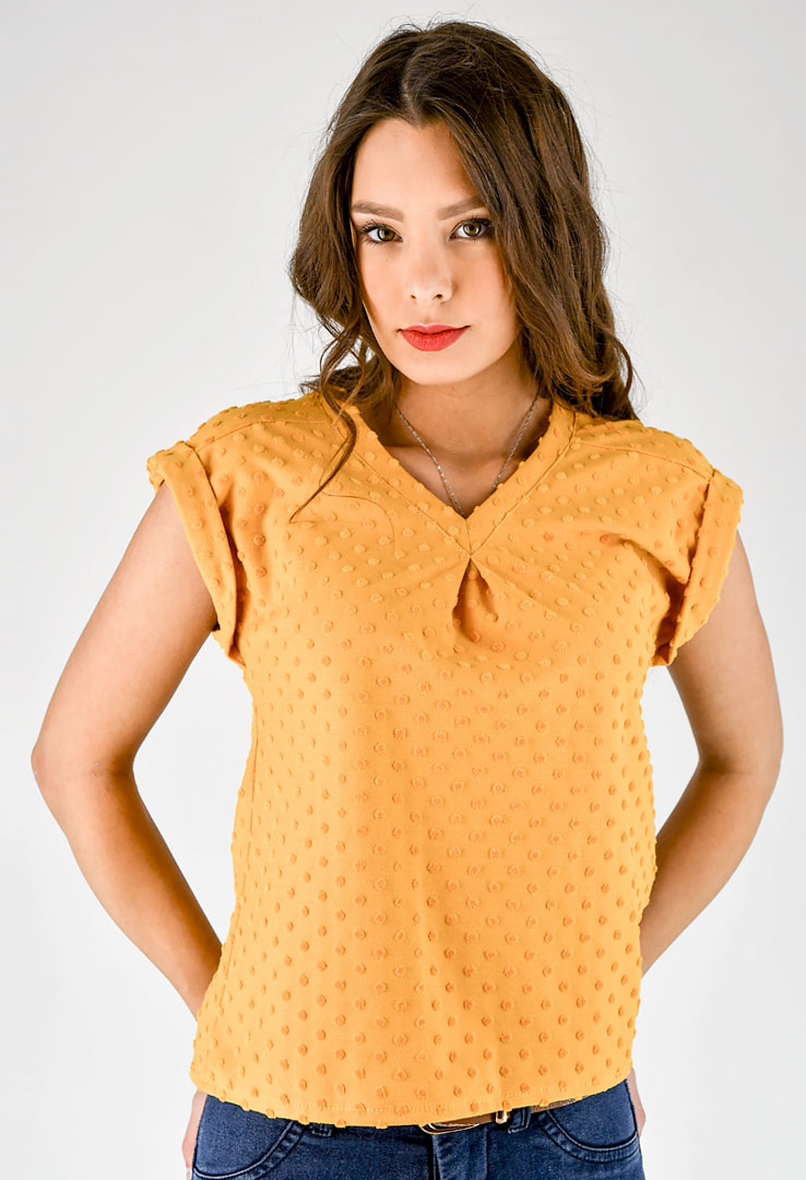 Shirt mit V-Ausschnitt in gelb
