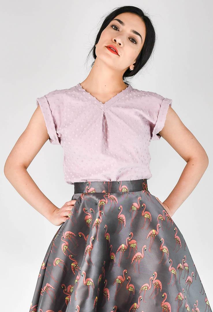 Shirt mit V-Ausschnitt in rosé – Bild 3