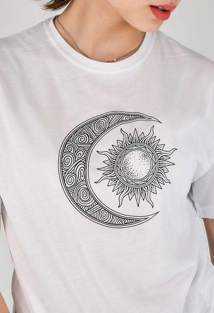 "T-Shirt ""Cat Sonne & Mond"" in weiß – Bild 5"