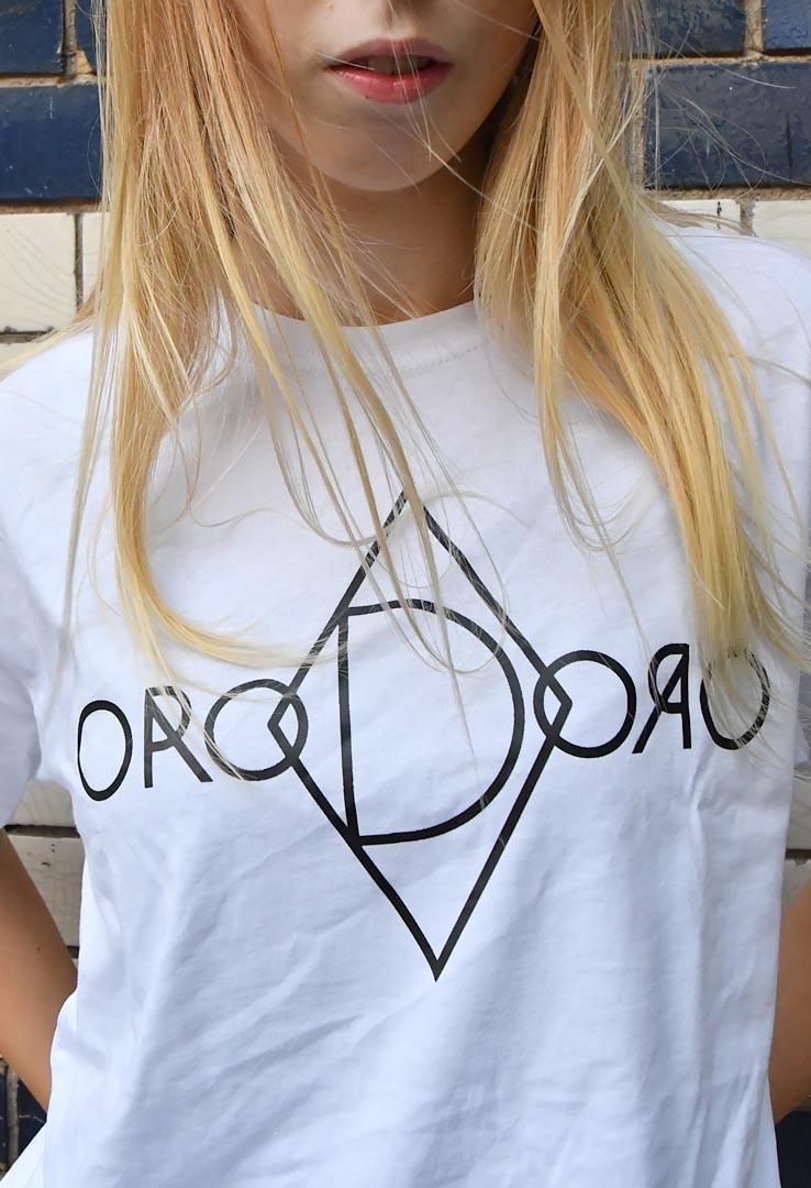 """weißes Shirt mit  Logo-Print """"Doro"""" – Bild 3"""