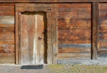 Papier Fototapete Schweizer Chalet Fassade 368x254cm – Bild 1