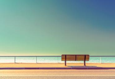 Vlies Fototapete Bank am Meer 368x254cm – Bild 1