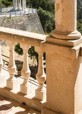 Fototapete Terrasse auf Mallorca mit Meerblick in Bucht als optische Vergrößerung – Bild 4