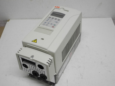 ABB ACS800 Frequenzumrichter ACS800-01-0003-3 +E202 400V 5,1A + keypad Tested – Bild 1
