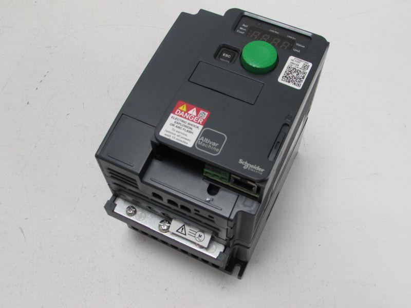 Schneider Electric Altivar ATV320 ATV320U11N4C 1,1kw 400V AC speed drive  unused OVP