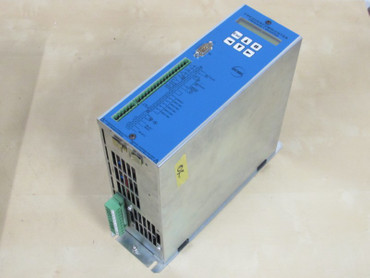 Stöber FDS3040/B In: 3x400V , 3x8,2 A max. 2,2kW out: 3x 5,5A – Bild 1