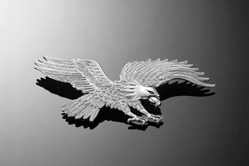 EAGLE LARGE ADHESIVE CHROME