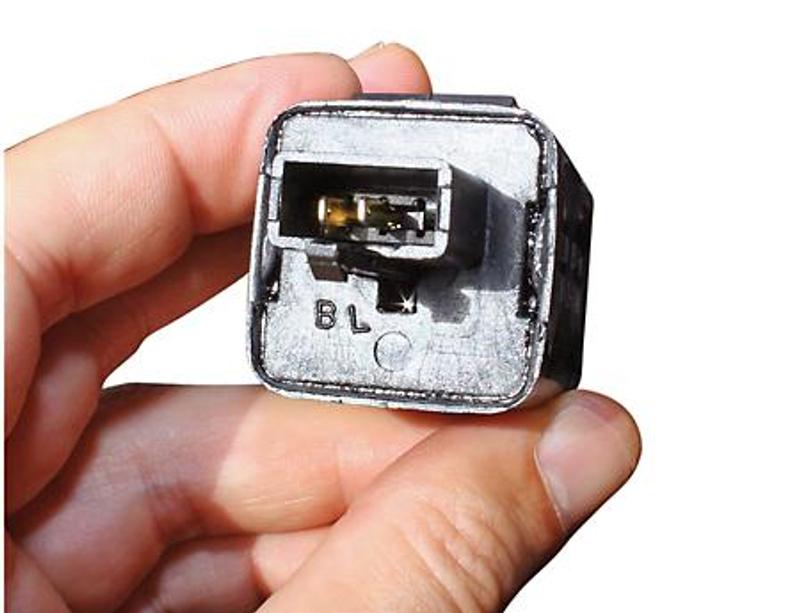 Blinkrelais, elektronisch 12 V, schmaler 3-fach Stecker mit 2 Pins – Bild 2