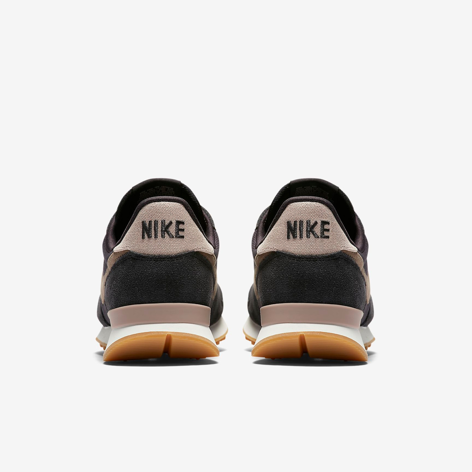 free shipping f6857 bfecf NIKE Wmns Internationalist - Oil Grey   Mink Brown - Summit White