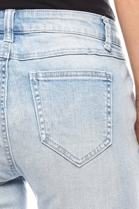 B.C. Best Connections Damen Flared Jeans Kurzgröße Hellblau – Bild 3