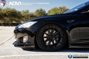 Unplugged Performance Carbon Front Spoiler und Diffusor System für Tesla Model S – Bild 2