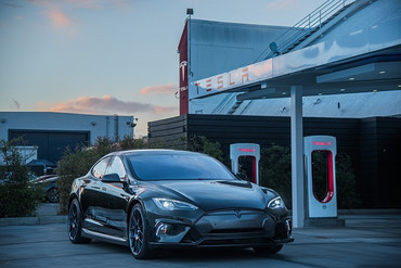 Unplugged Performance Carbon Flagship Frontschürze für Tesla Model S – Bild 7