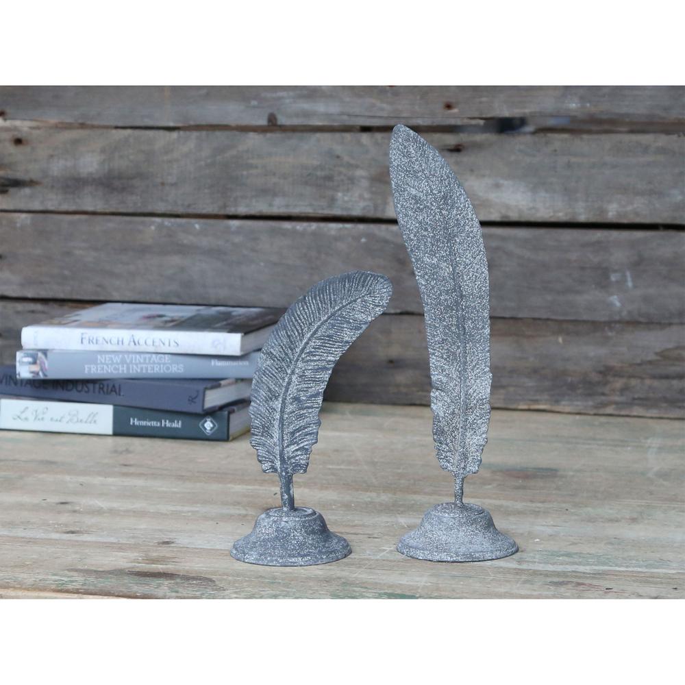 Chic Antique Denmark · Deko-Objekt Feder auf Fuß zink-antik 34cm · grau weiß – Bild 3