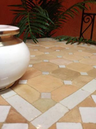 Mosaic Table Marrakesch Nature/ White, 50x50cm – image 3