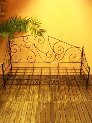 Oriental Iron Sofa Murcia - White – image 4