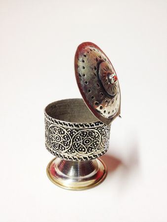 Oriental Jewelry Box Nr. 2 – image 2