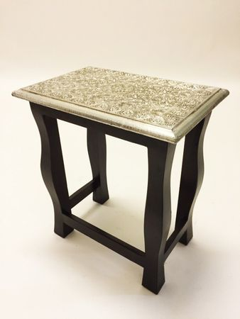 Indian Table Sharmila - Medium, 45cm – image 1