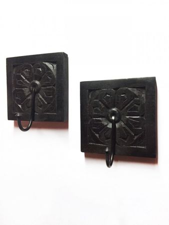 Set of 2 Indian handcarved coat Hook Sarala – image 1