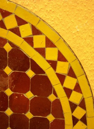 Mosaic Table marrakesch Bordeaux/ yellow, 60cm – image 3