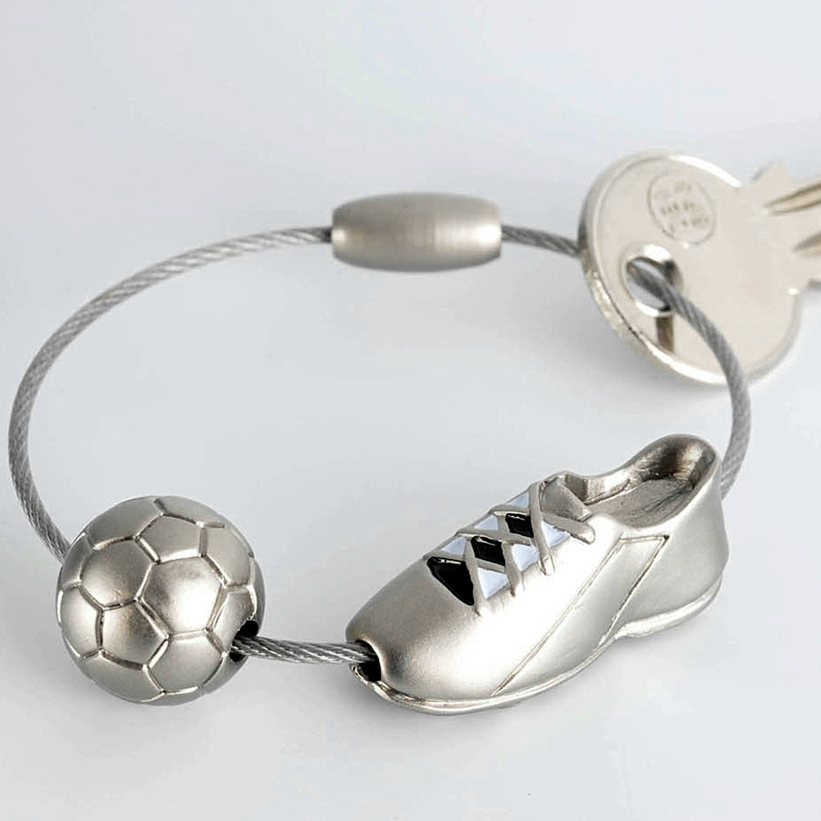 TROIKA Schlüsselanhänger Fußball KICK