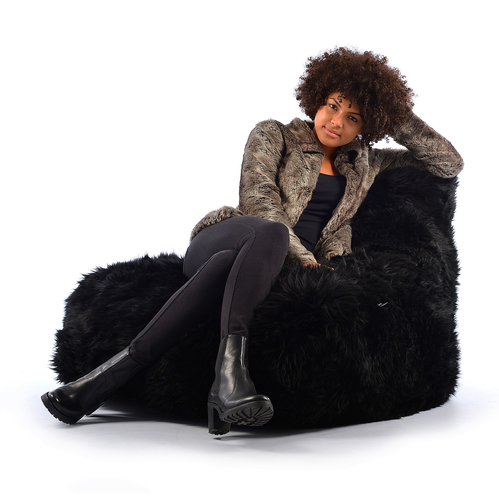 b-bag Extreme Lounging Fellsitzsack mighty-b Sheepskin Fur, Farbe Black