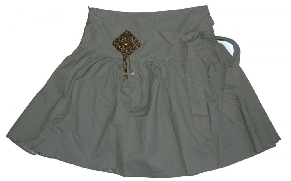 21c0704fa4f00 Damen Rock knielang Khaki seitlicher Bindegürtel Sommer Faltenrock Nieten  Perlen Applikationen