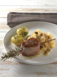 Gebratenes Schweinefilet mit Tiroler Speck auf Feigen-Ananaskraut 001