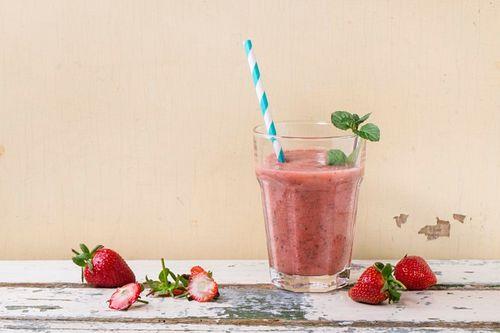 Erdbeer-Smoothie mit Chia-Samen