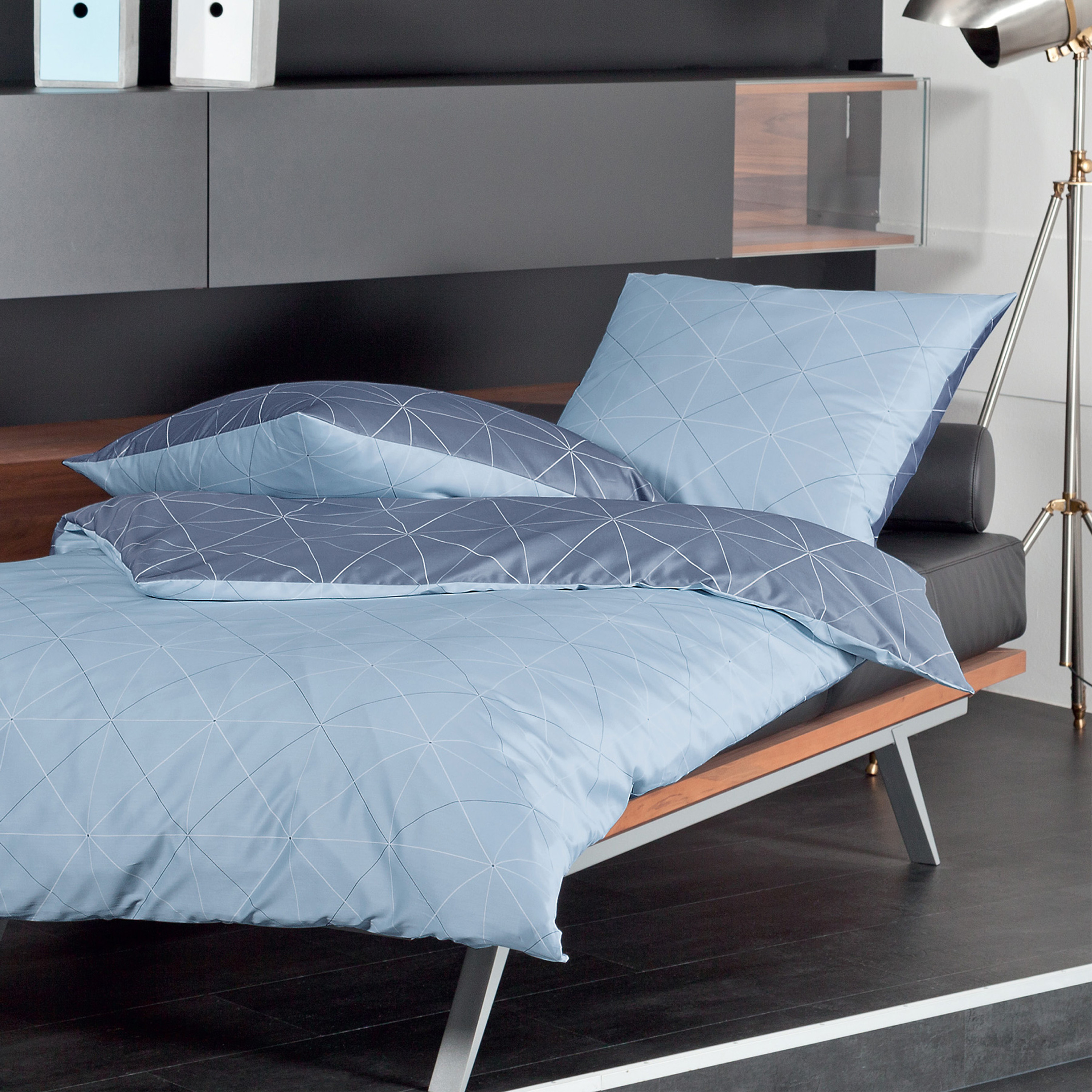 janine mako satin bettw sche j blau grau. Black Bedroom Furniture Sets. Home Design Ideas