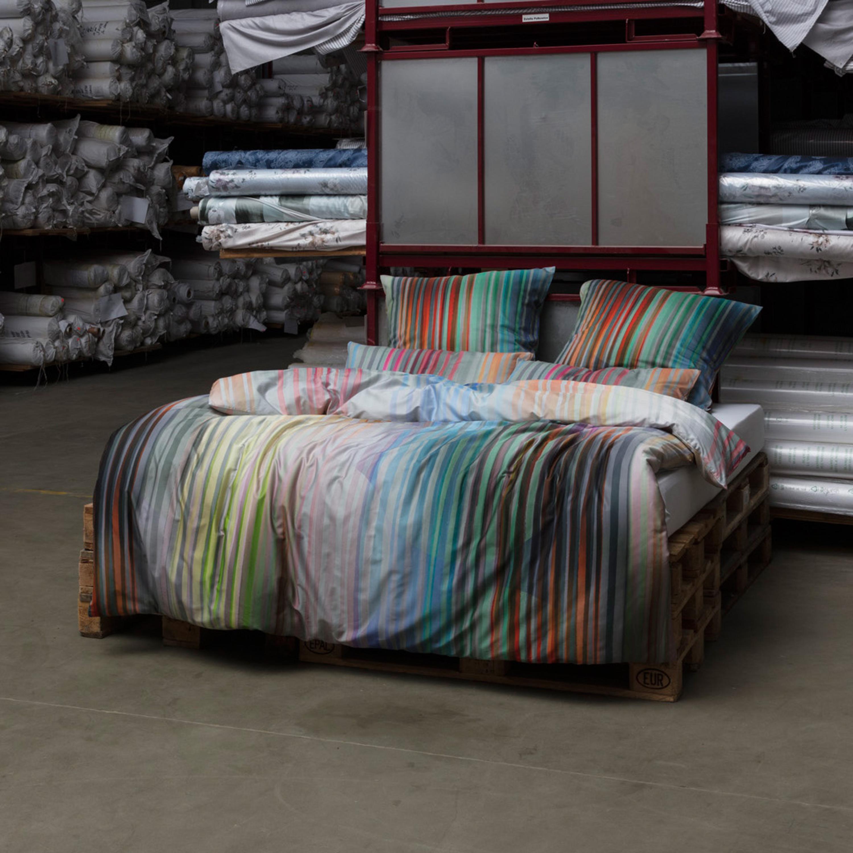 estella mako satin bettw sche ombre in bergr en bunt gestreift. Black Bedroom Furniture Sets. Home Design Ideas