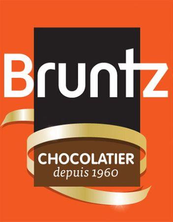 Feinherbe Trüffelspezialität mit Himbeere (Kougelhopfs d'Alsace) 144 g - Chocolaterie Bruntz – Bild 2