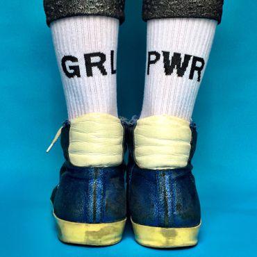 GRL PWR Socken in weiß – Bild 1