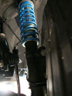 Verstärkte Zusatzfedern für Volkswagen Transporter - T5 / T6 2003-heute - Vorderachse -  Feder in Feder System + 3-6 cm je nach Zuladung – Bild 3