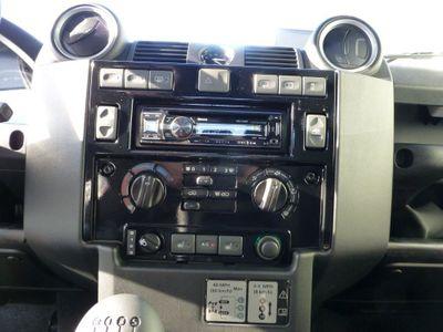 Doppel-DIN Radioblende für Landrover Defender- Matt schwarz im 2-DIN Format – Bild 1