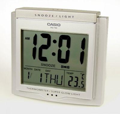 Casio Digital Wecker mit Thermometer und Tagesalarm DQ-750-8ER – Bild 1