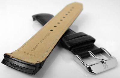 Tommy Hilfiger Uhrenarmband mit Ton in Ton Naht schwarz Leder 1791268 – Bild 2