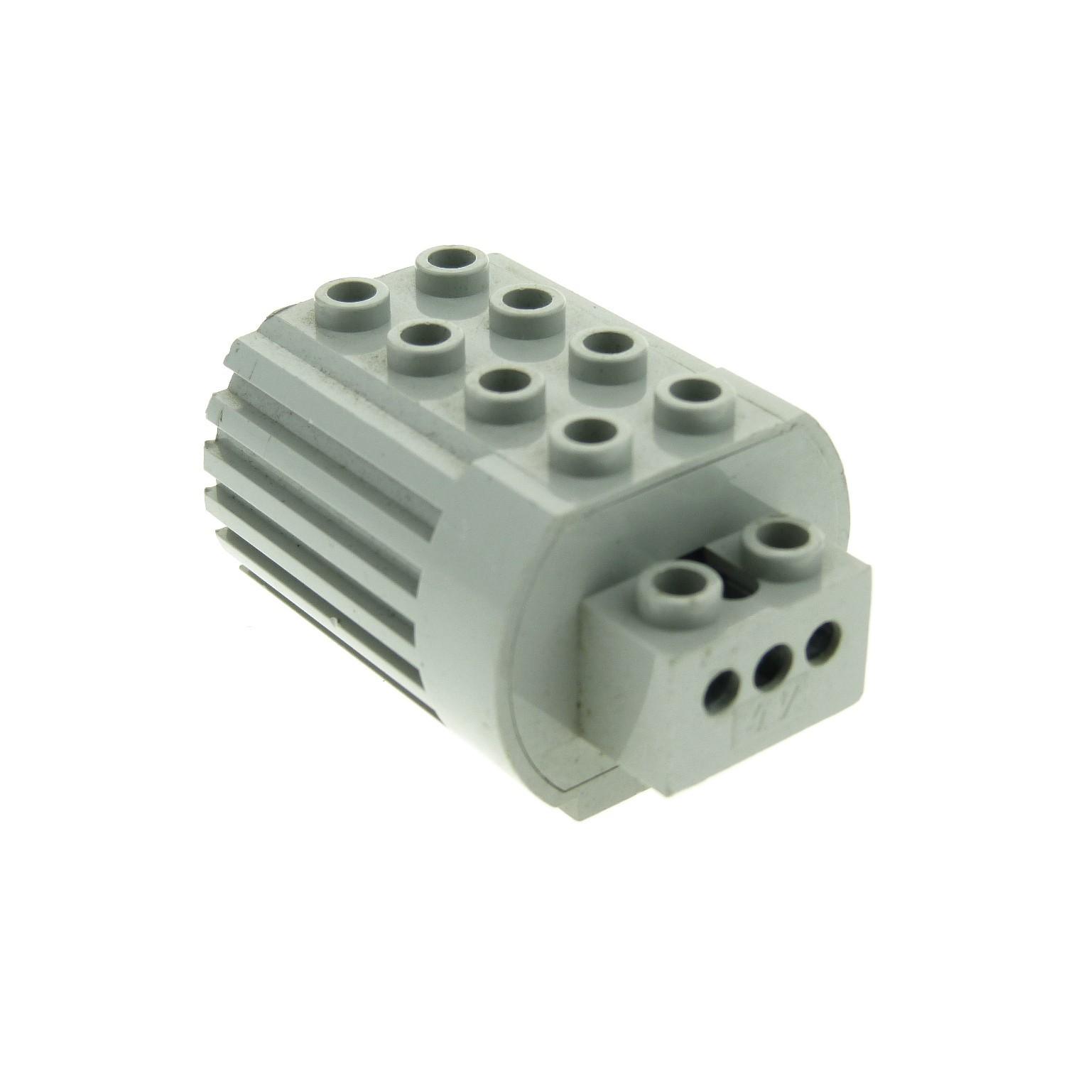 1 x lego technic electric motor b ware abgenutzt alt hell grau 4 5 v motor typ2 f r 2 polige. Black Bedroom Furniture Sets. Home Design Ideas