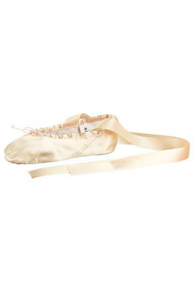 """Ballettschläppchen aus Satin """"Sandy"""" mit Satinband, geteilte Ledersohle, champagner"""